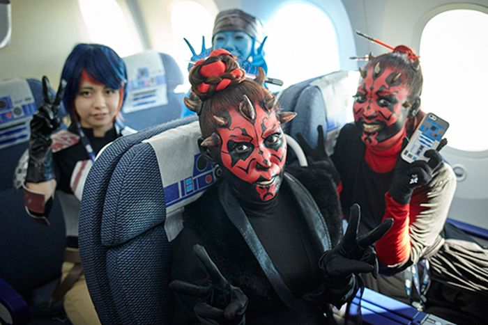 Japan Is Now Allowing Passengers To Fly On Star Wars Themed Planes (12 pics)