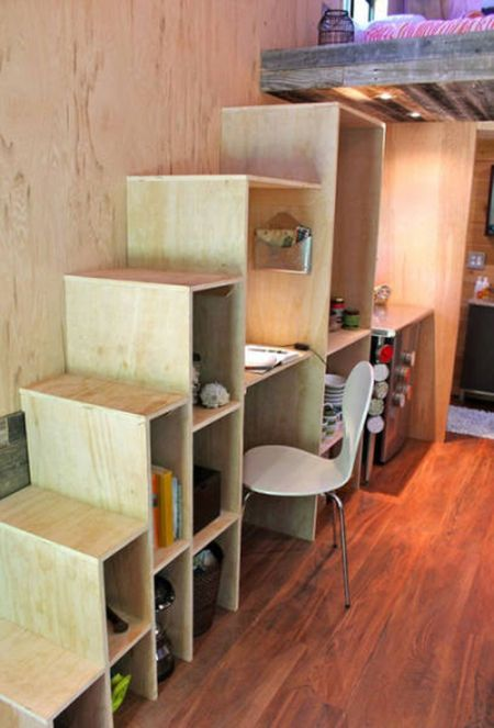 Man Cuts Down His Cost Of Living By Moving Into A Tiny House (9 pics)