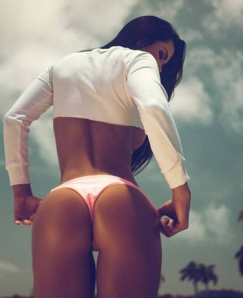 A Healthy Serving Of Beautiful Cuties With Beautiful Booties (58 pics)