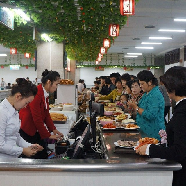 An Inside Look At Daily Life In North Korea (25 pics)
