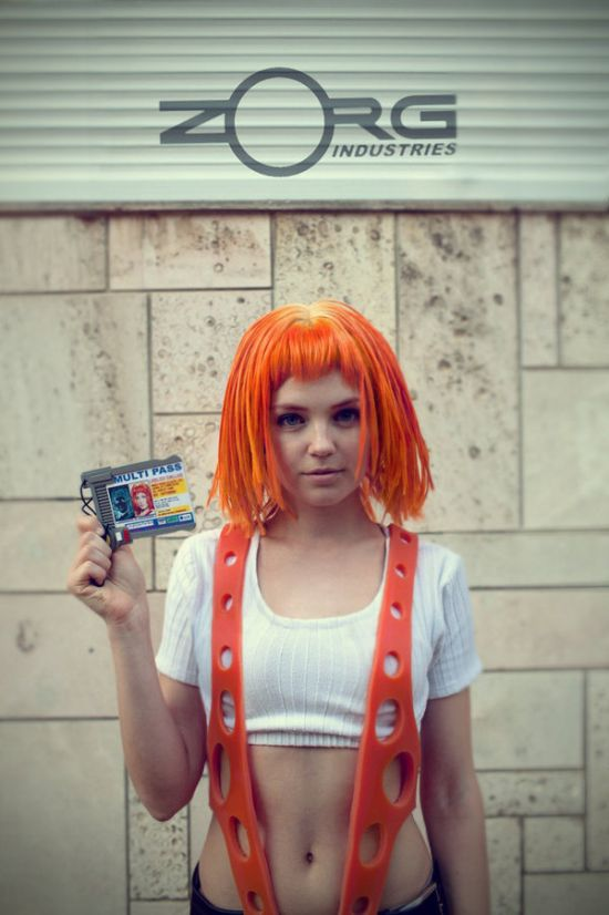 Cosplayer Totally Nails Leeloo From The Fifth Element (8 pics)