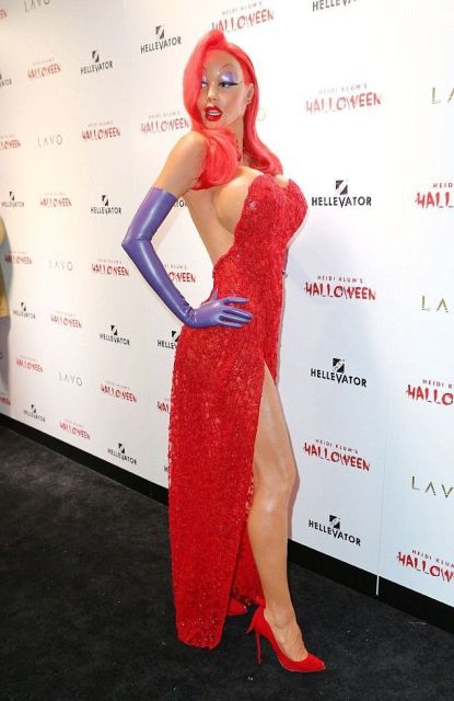 Heidi Klum Wins Halloween With Her Jessica Rabbit Costume (15 pics)