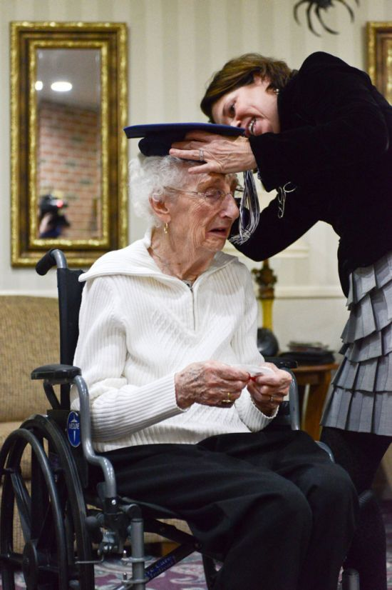 Woman Cries Tears Of Joy After Getting Her High School Diploma At 97 Years Old (6 pics)