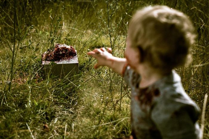 Baby Gets Turned Into A Zombie For His First Birthday (10 pics)