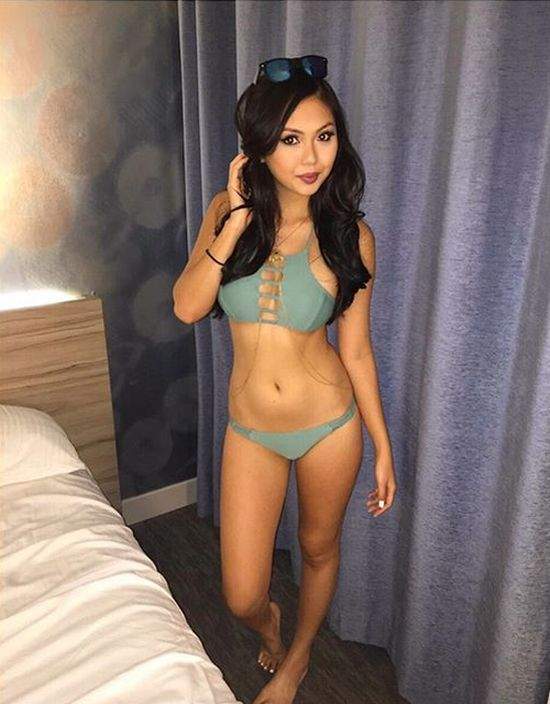 You Just Can't Argue With A Group Of Gorgeous Asian Women (25 pics)