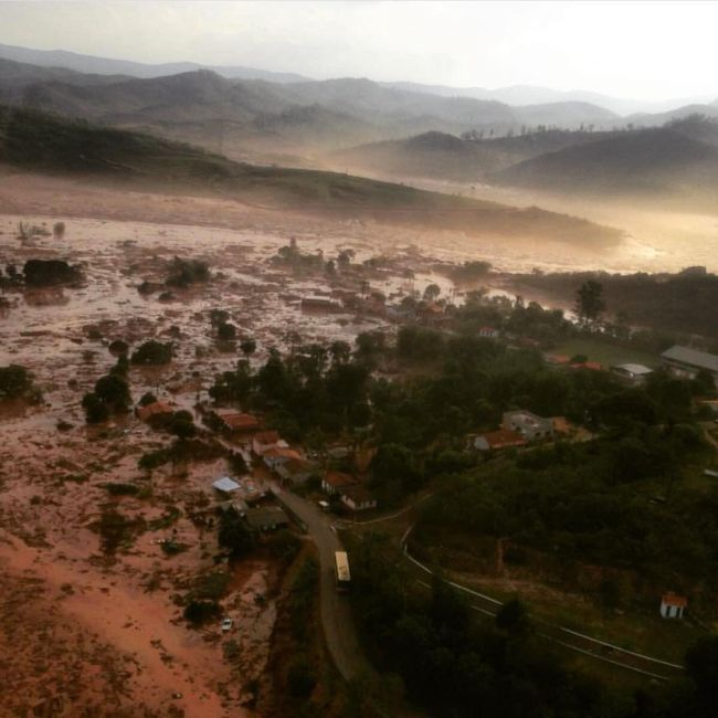 Homes Are Trashed After A Massive Flood Strikes Southern Brazil (6 pics + video)