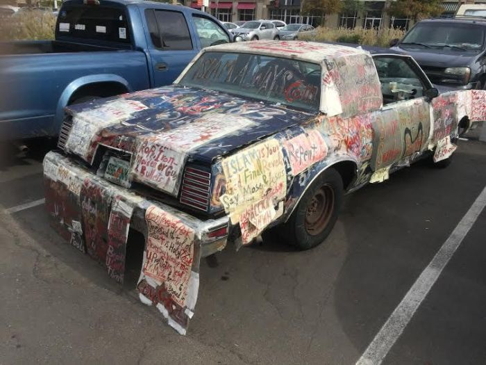 This Car Is Propaganda On Wheels (5 pics)