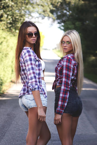 These Three Romanian Sisters Are Every Man's Dream Come True (22 pics)