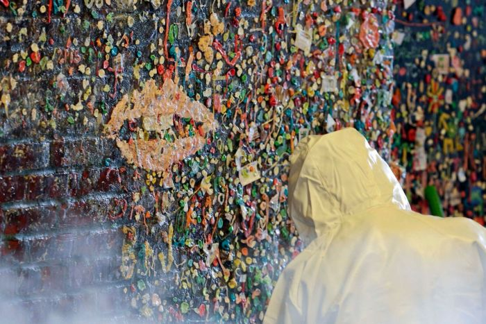 24 Years Worth Of Chewing Gum Removed From A Seattle Wall (11 pics)