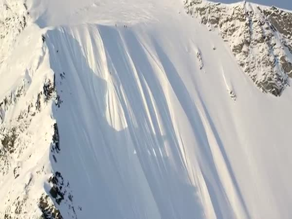 Skier Miraculously Survives 1,600 ft (487 m) Fall