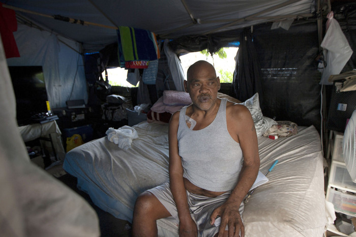 What It's Like To Be Homeless In Hawaii (32 pics)