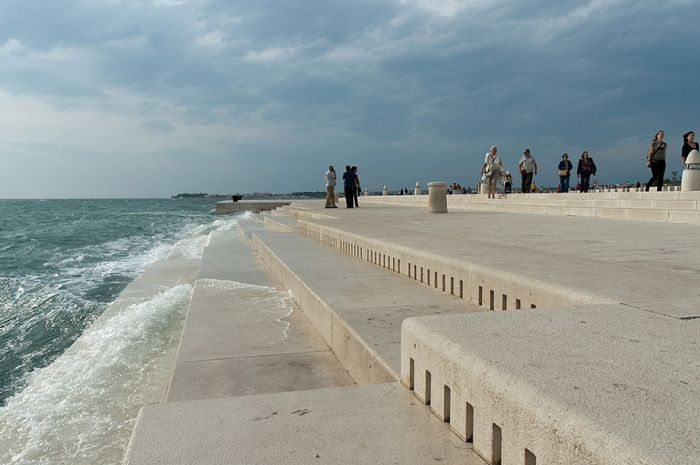 This 230 Foot Organ Uses The Sea To Make Haunting Sounds (4 pics + video)
