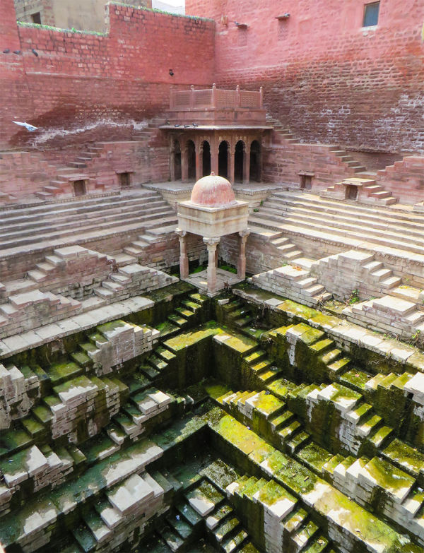 India Is Home To Many Subterranean Marvels (19 pics)
