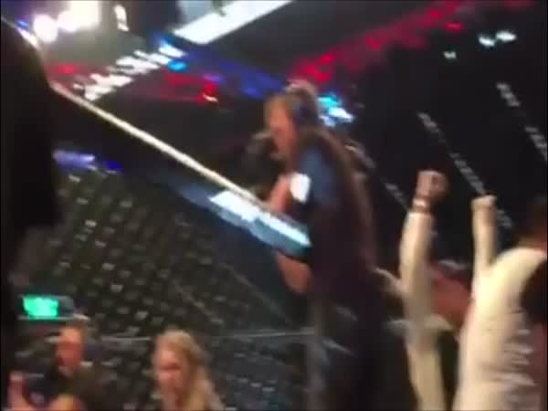 Joe Rogans Reaction To Ronda Rousey Getting Knocked Out