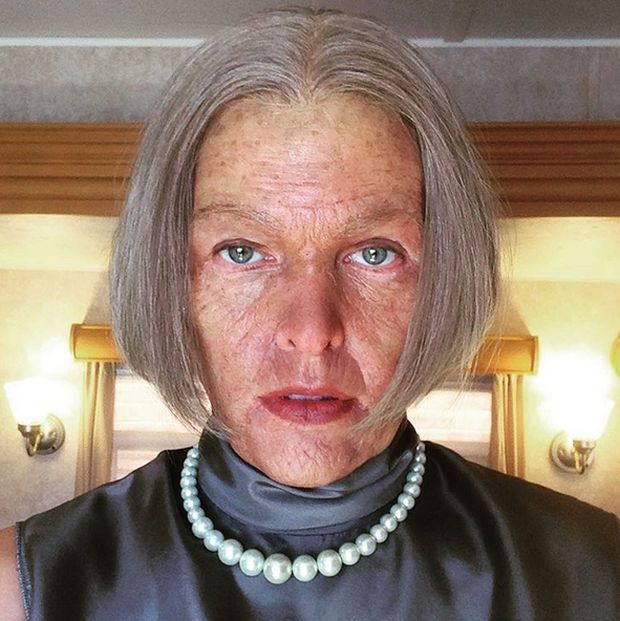 Milla Jovovich Shows Off Her Old Alice Look From The Resident Evil Set (3 pics)