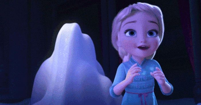 GIFs That Prove Elsa From Frozen Is Definitely Not A Nice Person (6 gifs)