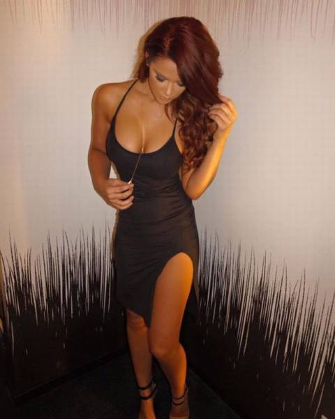 Sexy Women In Skin Tight Dresses That Will Catch Your Attention And Keep It (58 pics)