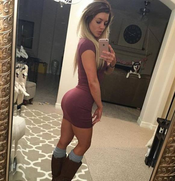 Sexy Women In Skin Tight Dresses That Will Catch Your