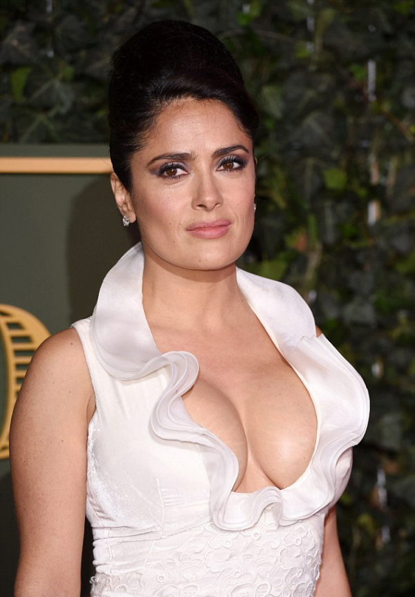 Salma Hayek Shows Off Major Cleavage At The Evening Conventional Theatre Awards (7 pics)