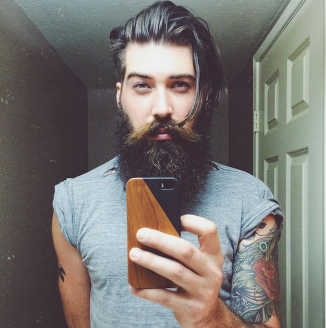See What The Guy Who Voiced Arnold From Hey Arnold Looks Like In Real Life (11 pics)