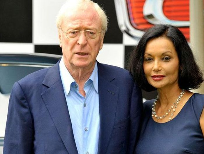 A Look Back At Michael Caine And His Wife Shakira Bakish From The 1970s (2 pics)