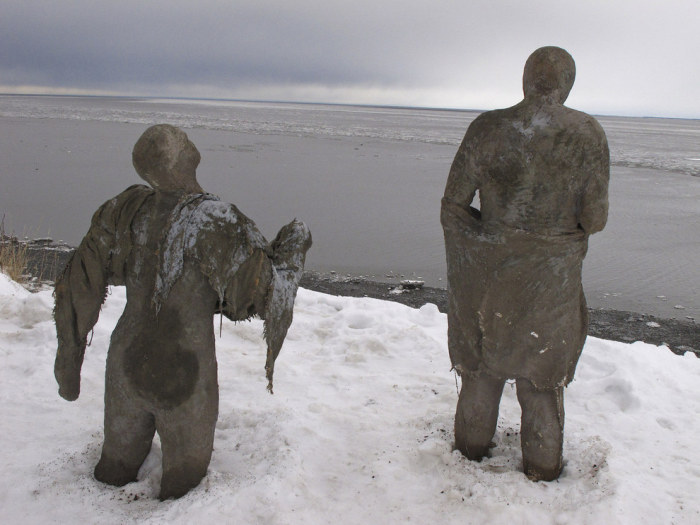 Find Out Why These Creepy Sculptures Have Appeared On A Beach In Alaska (4 pics)