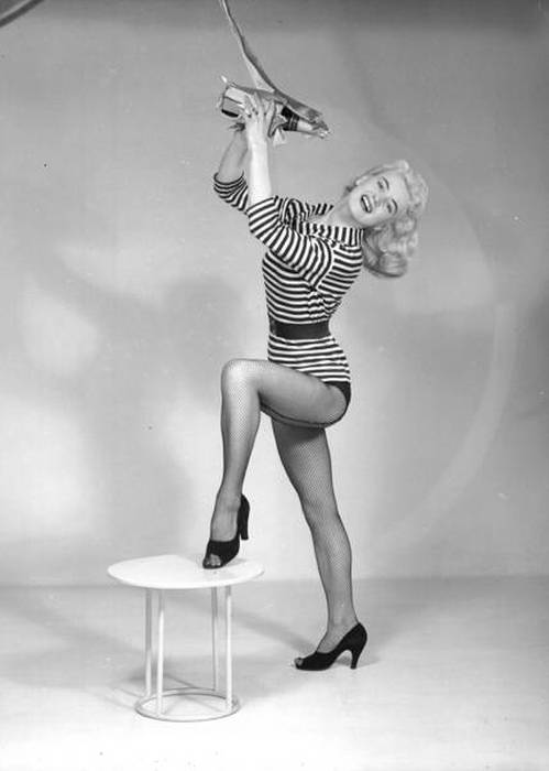 Awkward Vintage Modeling Photos From The 60s (21 pics)