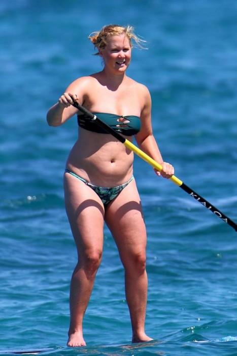 15 Celebrities Who Had The Worst Bikini Bodies Of 2015 (15 pics)