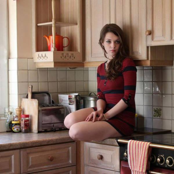 These Gorgeous Girls Definitely Know Their Way Around The Kitchen (53 pics)