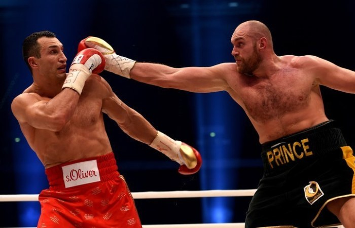 Tyson Fury Beats Wladimir Kiltschko To Win The World Heavyweight Title (6 pics)