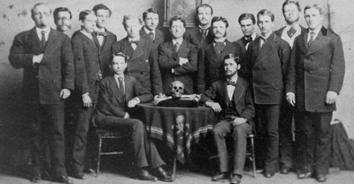 9 Dangerous Secret Societies From Human History (9 pics)