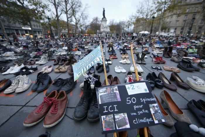 Paris Uses Shoes To Protest (11 pics)
