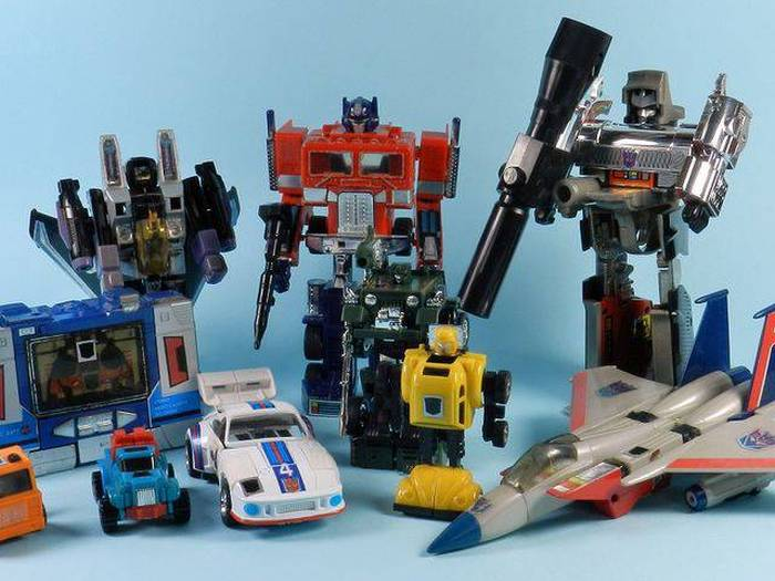 A Look Back At The Coolest Toys From 1980 And Beyond (35 pics)