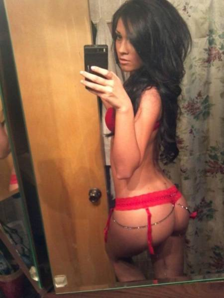 You've Come To The Right Place If You Love Beautiful Babes With Great Butts (57 pics)