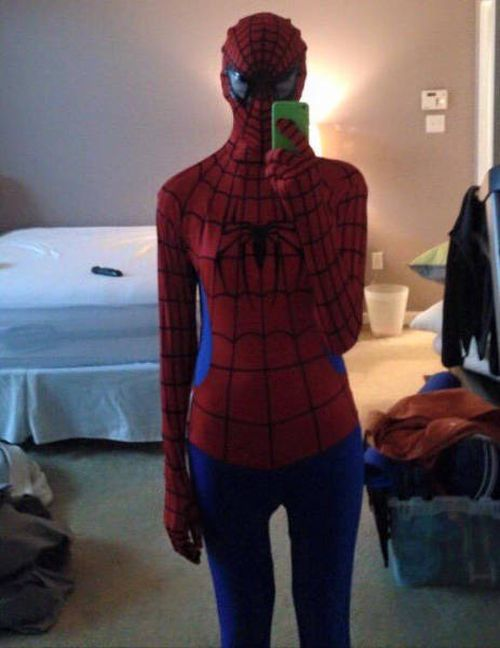 Man Gives Girlfriend The Ultimate Outfit For Her Birthday (5 pics)