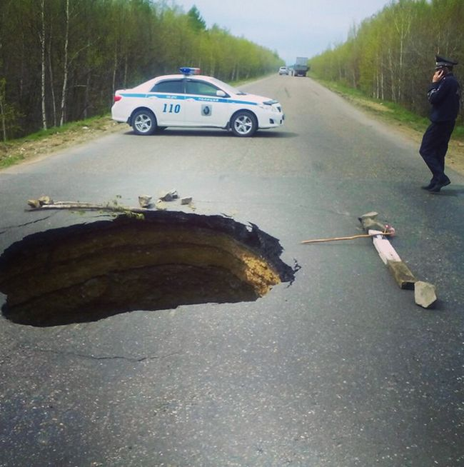 Things You Will Only See On The Roads Of Russia (21 pics)