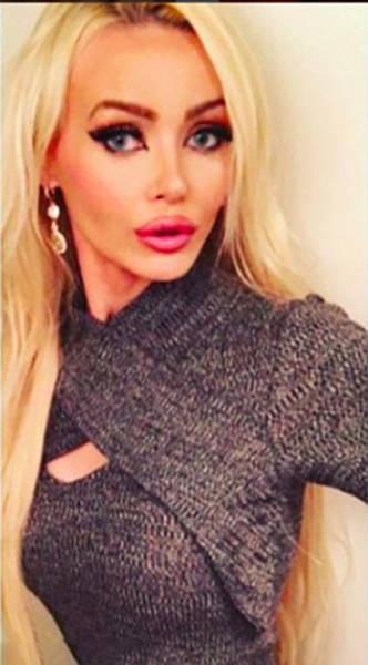 She Might Look Like Just Another Blonde Barbie But This Girl Has Brains Too (15 pics)