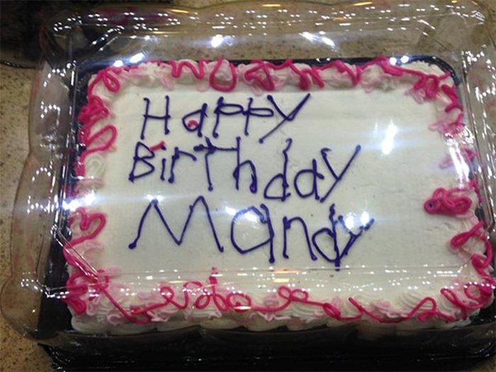 A Simple Happy Birthday Cake Is Going Viral, Find Out Why (3 pics)