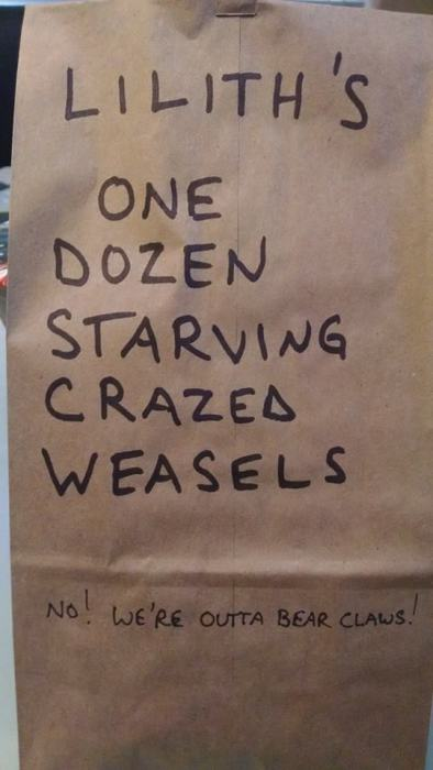 Awesome Mom Leaves Epic Messages On Her Daughter's Lunch Bag (21 pics)