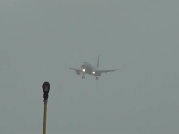 Plane Hovered During Landing