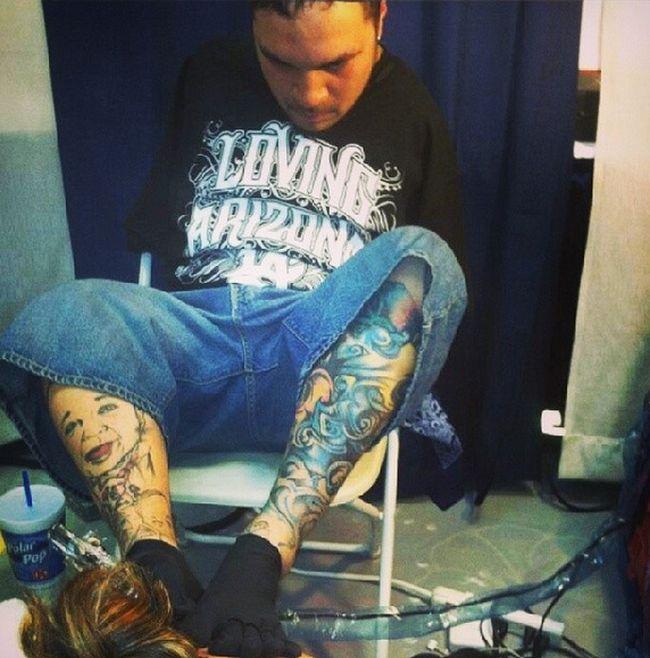 Meet Brian Tagalog The Man Who Creates Tattoos With His Feet (7 pics)