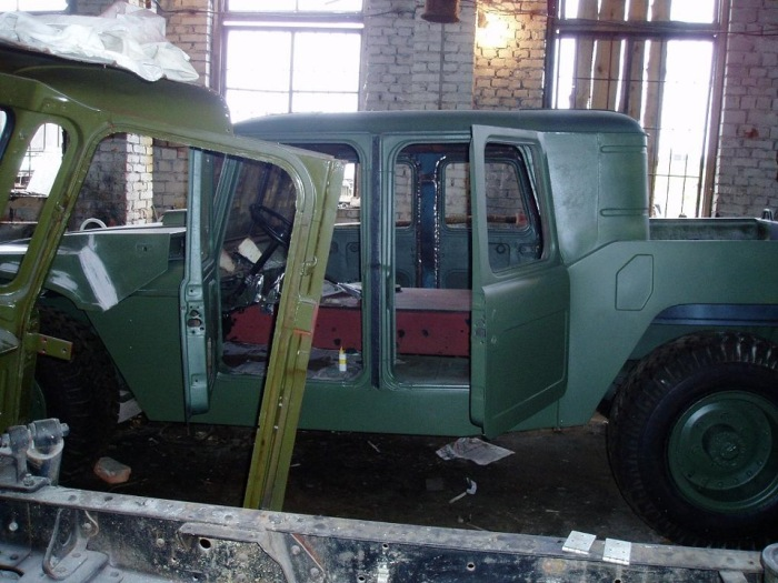 This Is How Russia Does Hummers (10 pics)