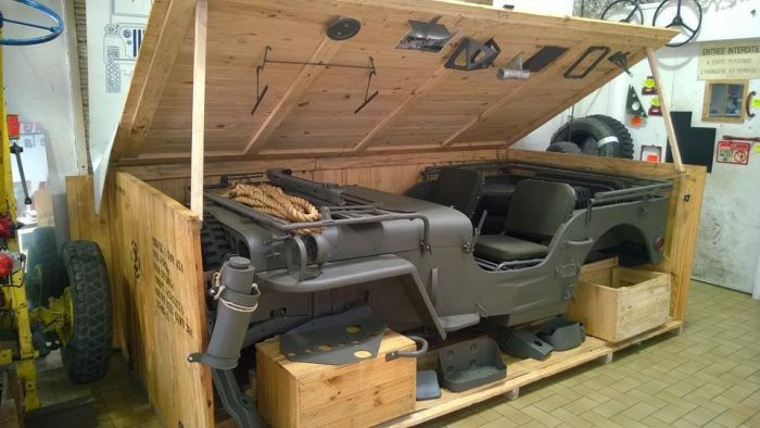 These People Found A Jeep In A Crate (9 pics)