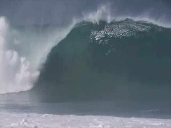 Andre Botha Rescues Evan Geiselman At Pipeline