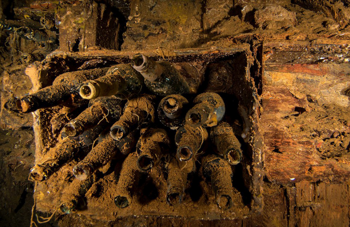Take A Journey Through Japan's Underwater Graveyard (18 pics)