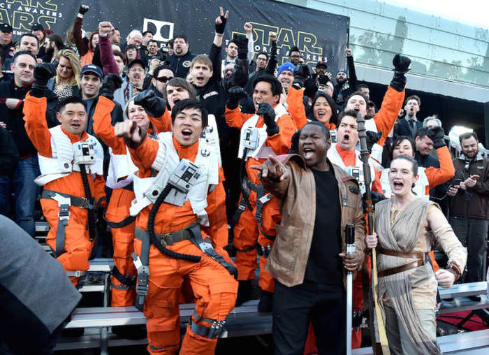 All The Best Pics From The Premiere Of Star Wars: The Force Awakens (22 pics)