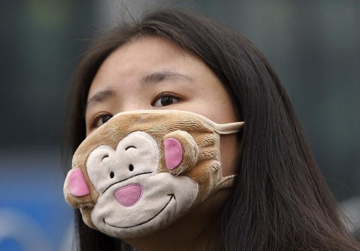 China Is Facing The Smog With Stylish Masks (22 pics)