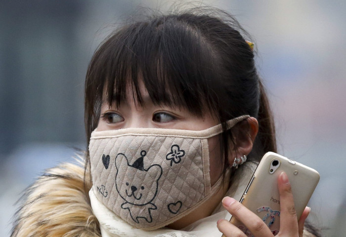 China Is Facing The Smog With Stylish Masks (22 pics)
