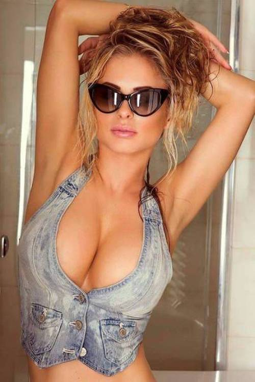 Beautiful Babes With Busty Chests Make The World A Brighter Place (56 pics)