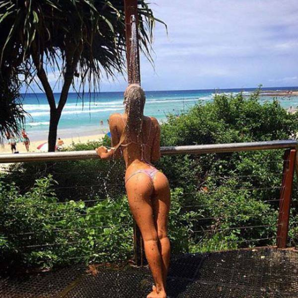 These Sexy Butts Are The Hottest Thing You'll See Today (46 pics)